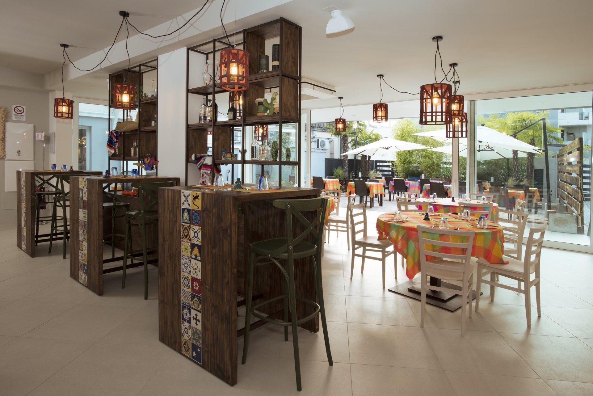 Arredamento ristorante ristorante padova biwo design for Arredamento etnico padova